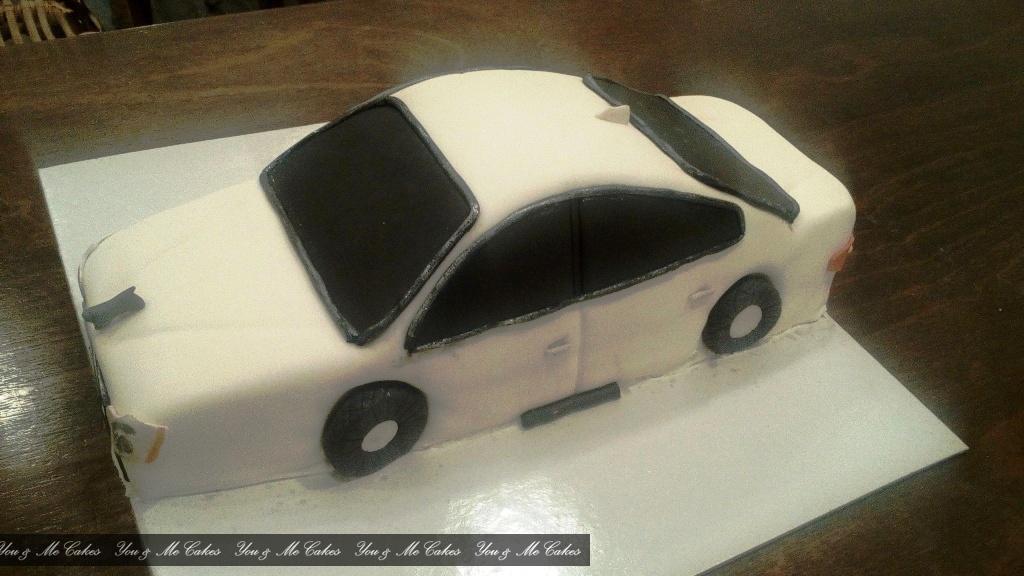 Maserati Car Cake U Me 630 Cakes Designer Cakes You Me Cakes Erode
